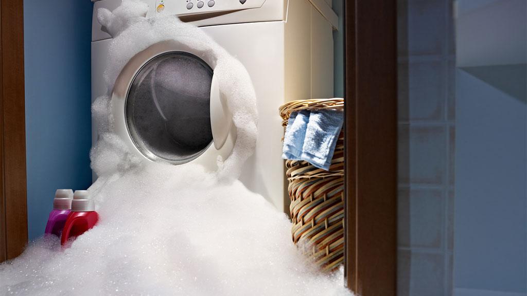 Si tu lavadora nueva hace mucha espuma, necesitas saber esto